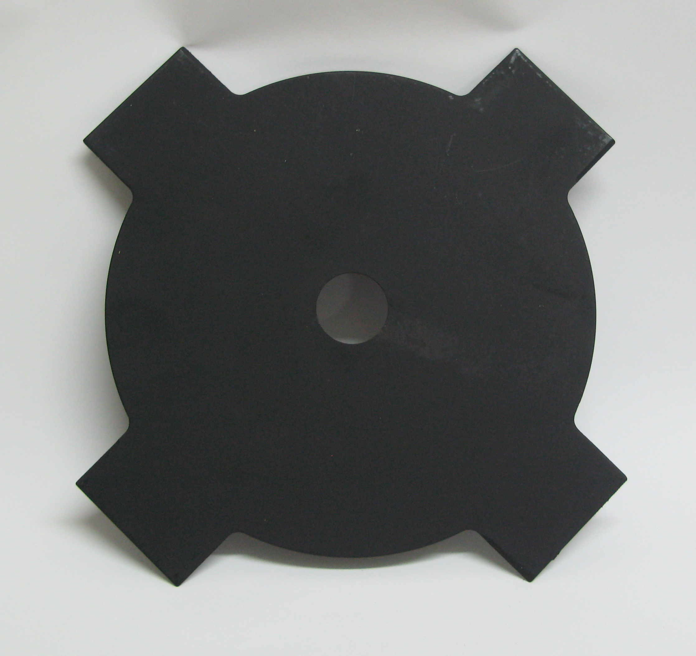 4-tooth 230mm metal brushcutter blade (25.4mm bore). Free guard.